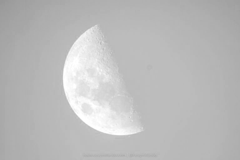 Lua Céu Profundo