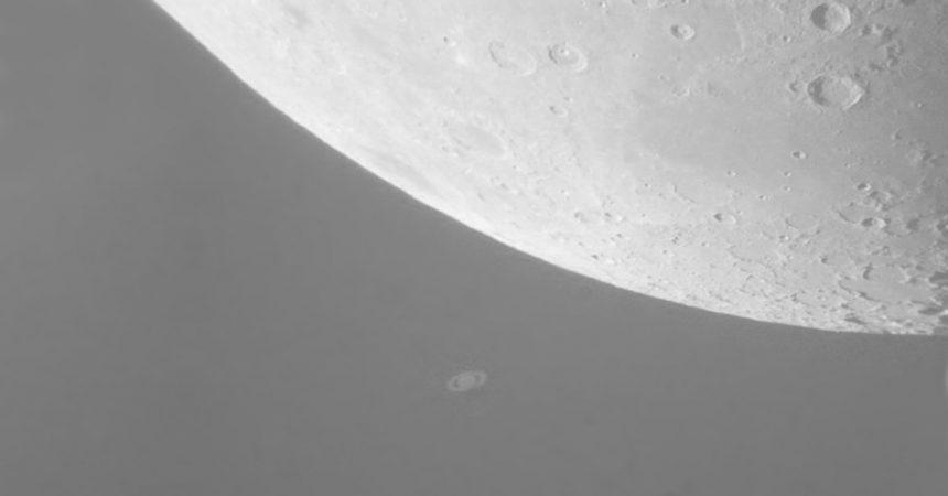 Lua e Saturno juntos